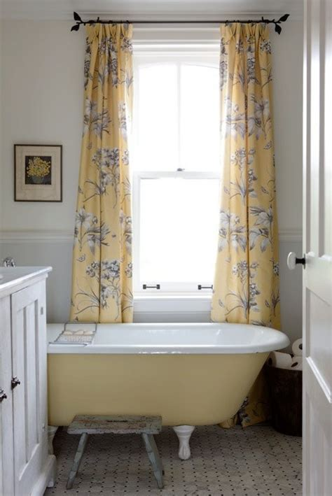 country living bathrooms colorful bathrooms 15 inspiring exles town country