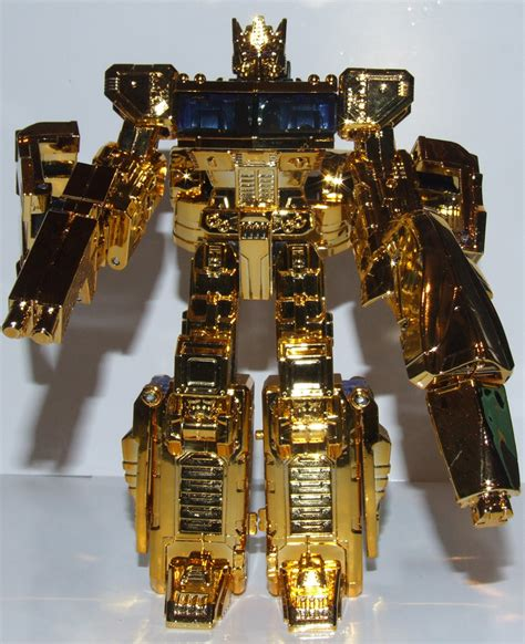 Transformers Gold transformers henkei gold convoy lucky draw at