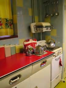 50s Kitchen Ideas Best 25 1950s Kitchen Ideas On 1950s Decor Retro Kitchens And 1950s House