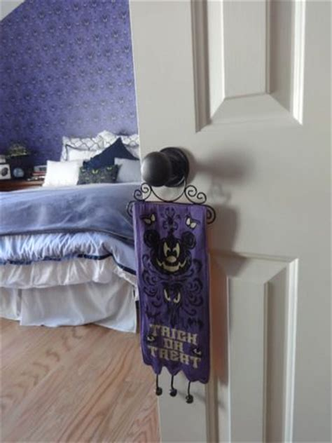 dream room a disney haunted mansion bedroom homes and hues dream room a disney haunted mansion bedroom homes and hues