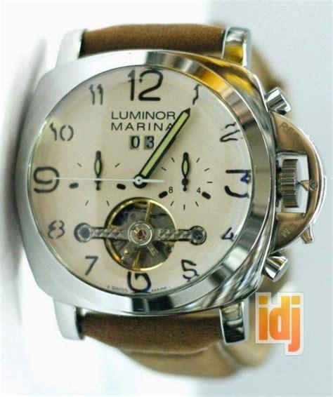 Jam Tangan Pria Tagheuer Rotation Leather Black Plat Black jam tangan jual jam tangan harga jam tangan original
