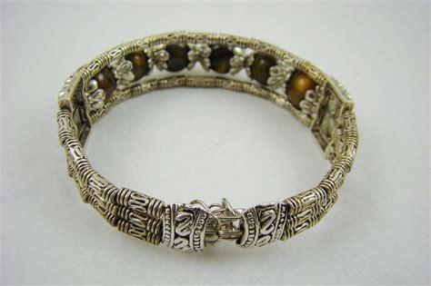 veranda western style tiger s eye and silvertone western style bracelet