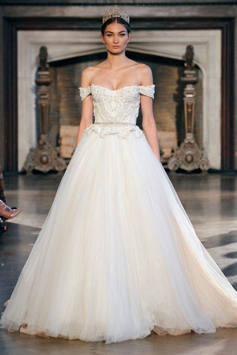5 Bridal Gown Trends by The Gown Trends From The 2015 Bridal Runway Shows