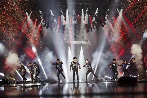 Exo Planet 3 The Exo Rdium In Seoul Live Live Review Exo Exo Planet 3 The Exo Rdium