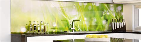 küche backsplash glasfliesen r 252 ckwand gr 252 n k 252 che