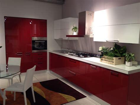 cucina e rossa scavolini cucina sax moderna laccato lucido rossa cucine