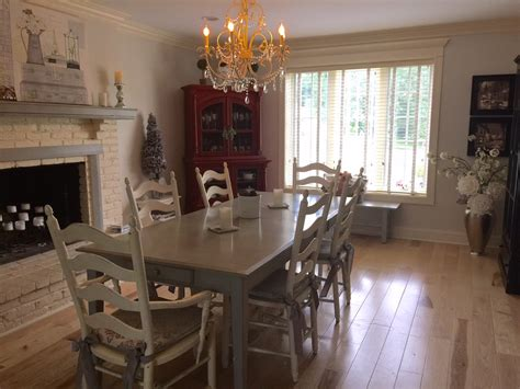 How To Paint Dining Room Furniture by How To Chalk Paint Your Furniture And Not Be Afraid