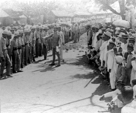 the philippine american war 18991902 18991913 macabebe scouts undergoing inspection by 1lt matthew