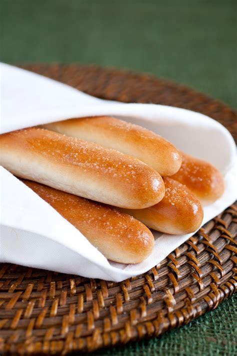 Olive Garden Bread Sticks olive garden breadsticks copycat recipe cooking