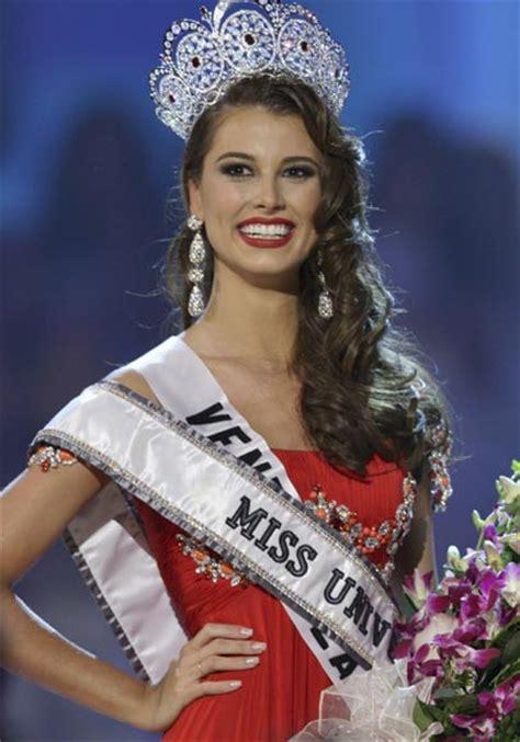 imagenes de las miss universo venezolanas la venezolana stefania fern 225 ndez coronada miss universo 2009