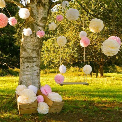 11 usos de las blondas en tu boda ideas para decorar un arbol en tu boda diario de una novia