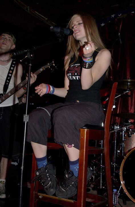 New Promo For Avril Lavigne by New York Shine 30 05 02 Avril Lavigne Photo 30643064