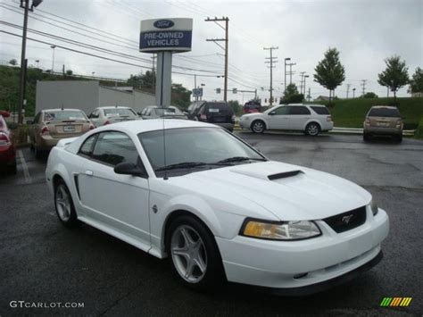 1999 white ford mustang gt coupe 31478079