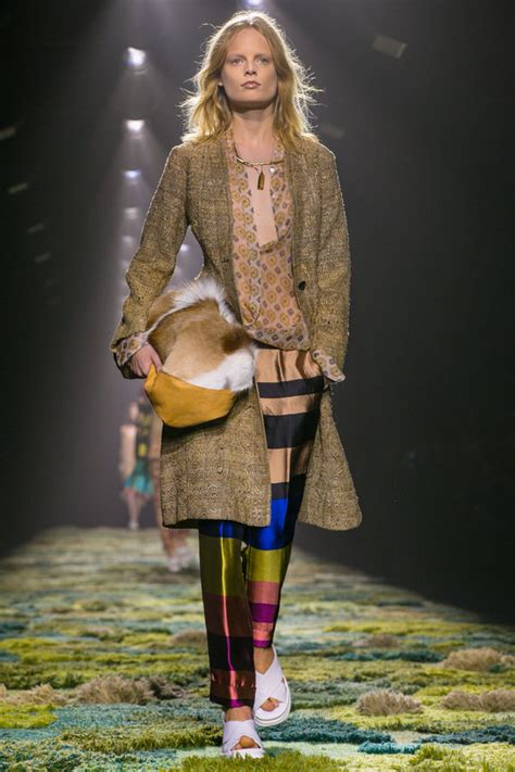 Ny Times Not Thrilled By Fashion Week And Theyre Not The Only Ones by Dries Noten 2015 Rtw