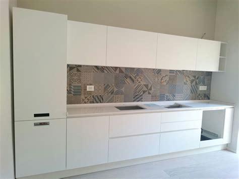 pannelli per cucina ikea rivestimenti cucina ikea divani colorati moderni per il