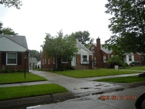 houses for sale in harper woods mi 21119 country club dr harper woods mi 48225 foreclosed home information