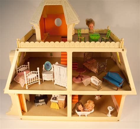 ON SALE . . The Littles Family Doll House Furnished