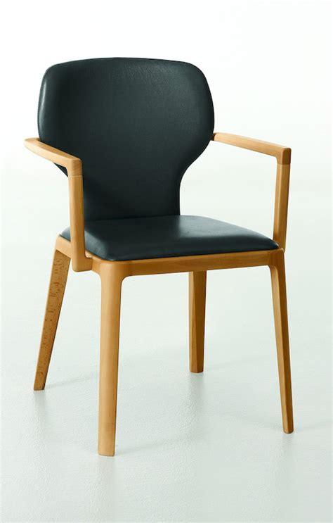weißer stuhl mit armlehne stuhl mit armlehne holz stunning stuhl mit armlehne der