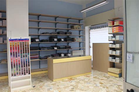negozi arredamenti arredamento negozio abbigliamento arredo negozi vestiti