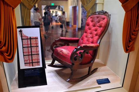 the rocking chair on which abraham lincoln was