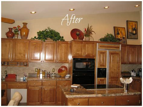 kitchen decorations for above cabinets how do i decorate above my kitchen cabinets la z boy