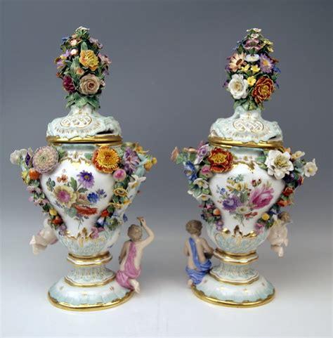 Meissen Vases by Meissen Paar Potpourri Deckel Vasen Lidded Vases Blumen
