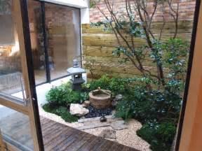 casa de fin de semana by ryue nishizawa patios interiores