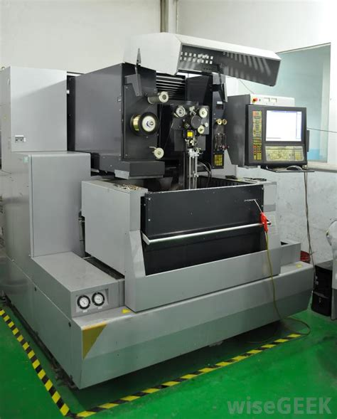 Cnc Machinist by What Does A Cnc Machinist Do With Pictures