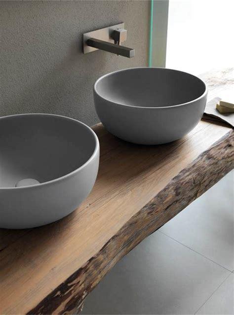 piano lavandino bagno mobile in legno massello per il bagno ecco 10 modelli da