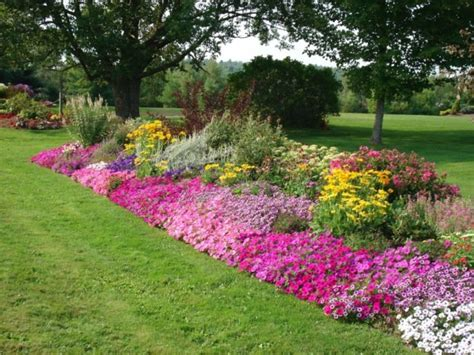 Flower Garden Border Ideas Rock Borders Appeal Of Your House Rock Flower Bed Borders Ideas For Your Garden Rock