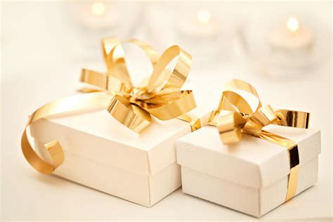 how much for wedding gift truly s guide to choosing the right wedding gift truly magazine