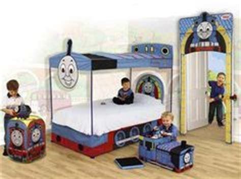 thomas themed bedroom thomas the tank engine bedroom on pinterest thomas the