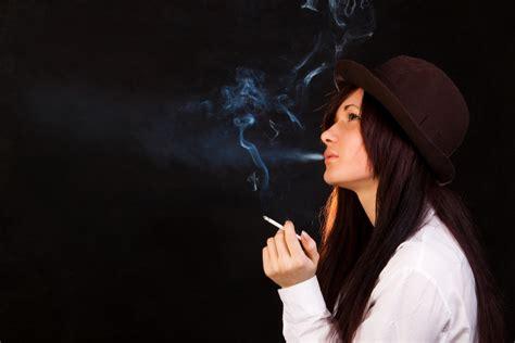 imagenes de joker fumando 6 h 225 bitos que da 241 an tu cabello salud180