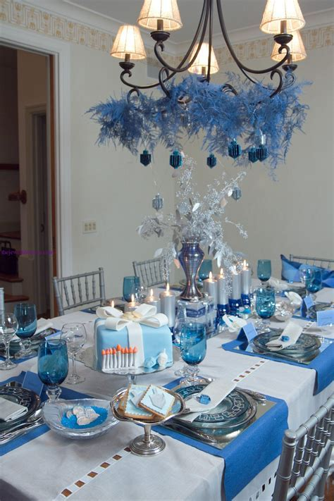 The Jewish Hostess? Beautiful Hanukkah Table ? The Kosher