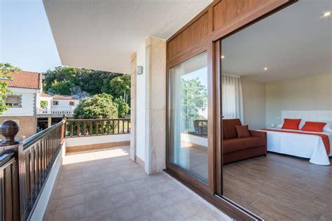 hotel apartamentos la bolera isla cantabria