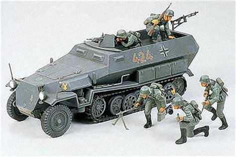 german hanomag sd kfz 251 1 halftrack plastic model vehicle kit 1 35 scale 35020 by