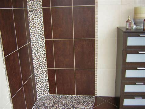 carrelage sol salle de bain marron