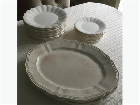 Umbria Set dinner plate set by umbria and sabatier gloucester ottawa
