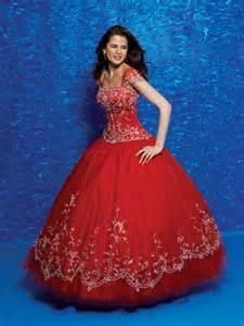 Vestido 15 rojo 3 con estilo femenino