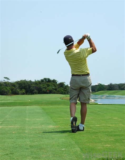 common golf swing problems what are the most common elbow problems with pictures