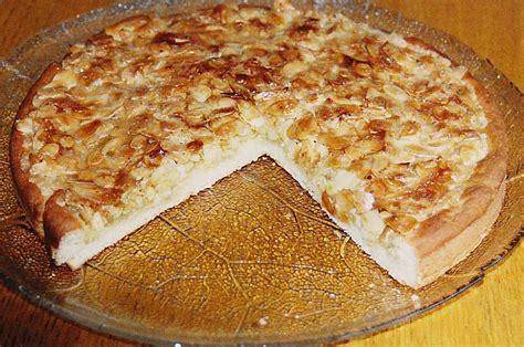 kuchen mit quark öl teig bienenstich mit quark 214 l teig rezept mit bild