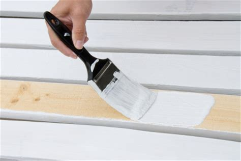 preparing woodwork for painting painting with eggshell or gloss paint how to prepare new
