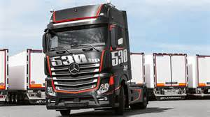 Mercedes Actros Mercedes Celebrates The Om 471 With An Actros Racing