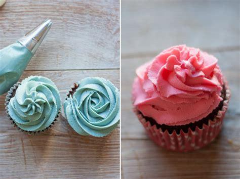 como decorar cupcakes con betun c 243 mo hacer formas diferentes para decorar cupcakes