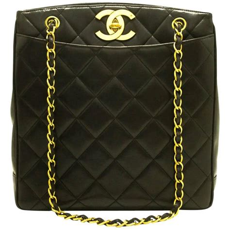 chanel lambskin gold chain shoulder bag black quilted