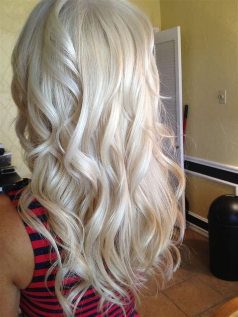 adding lowlights to white hair love this color just add some darker blonde lowlights and