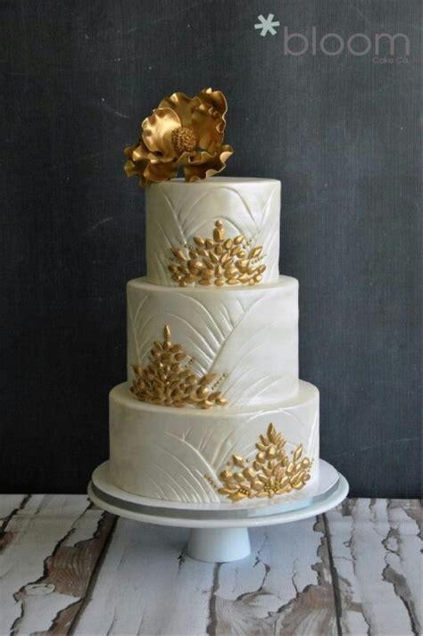 Gold & Pearl cake for Golden Jubilee   Wedding inspiration