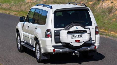 pajero mitsubishi 2015 2015 mitsubishi pajero exceed review road test carsguide