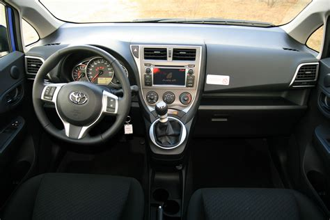S Toyota File Toyota Verso S Cockpit Jpg Wikimedia Commons