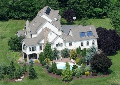 newer photo of the gosselin s house jon kate plus 8